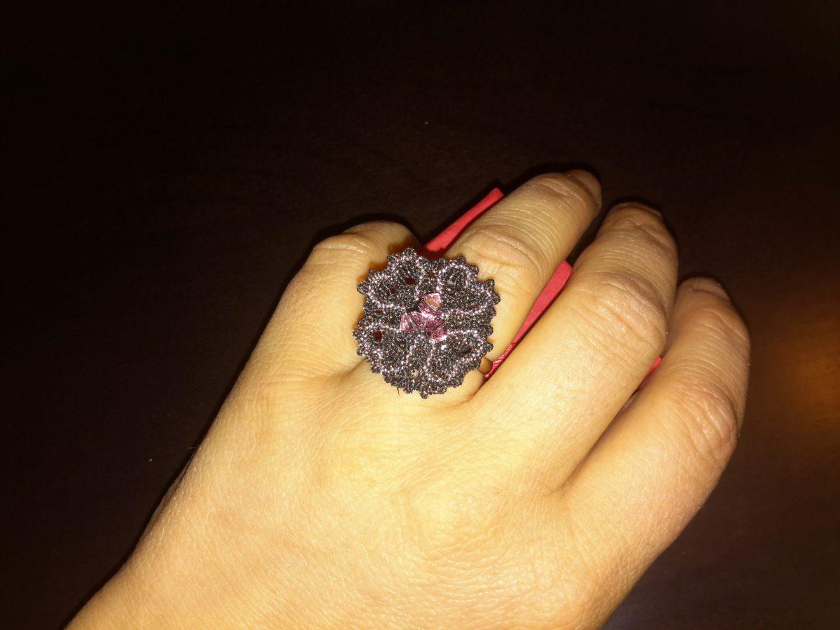 prstan s čipko cvetlice